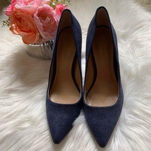 Banana Republic navy blue leather textured heels